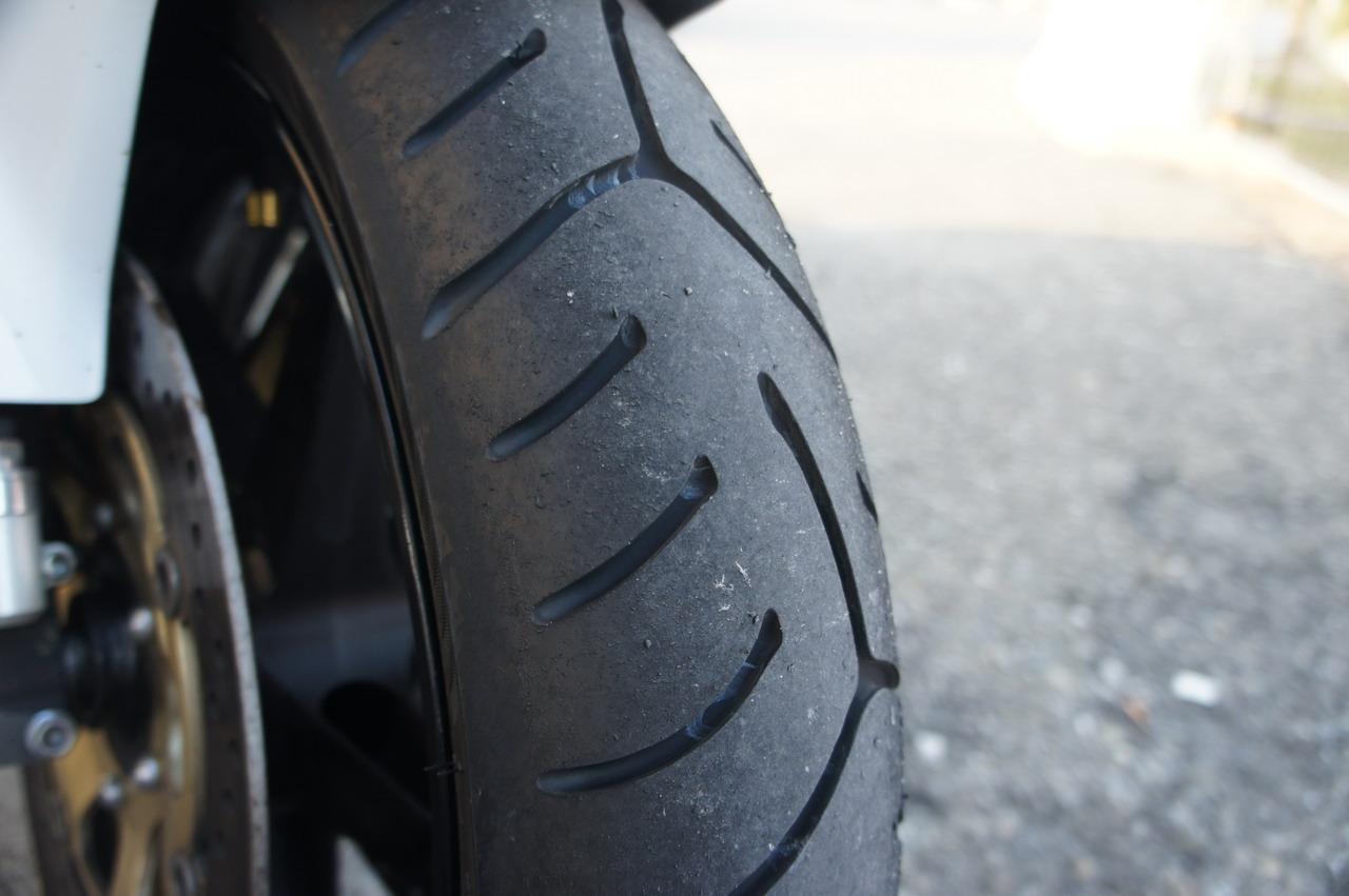 Bridgestone BATTLAX Sport Touring T30-test drive