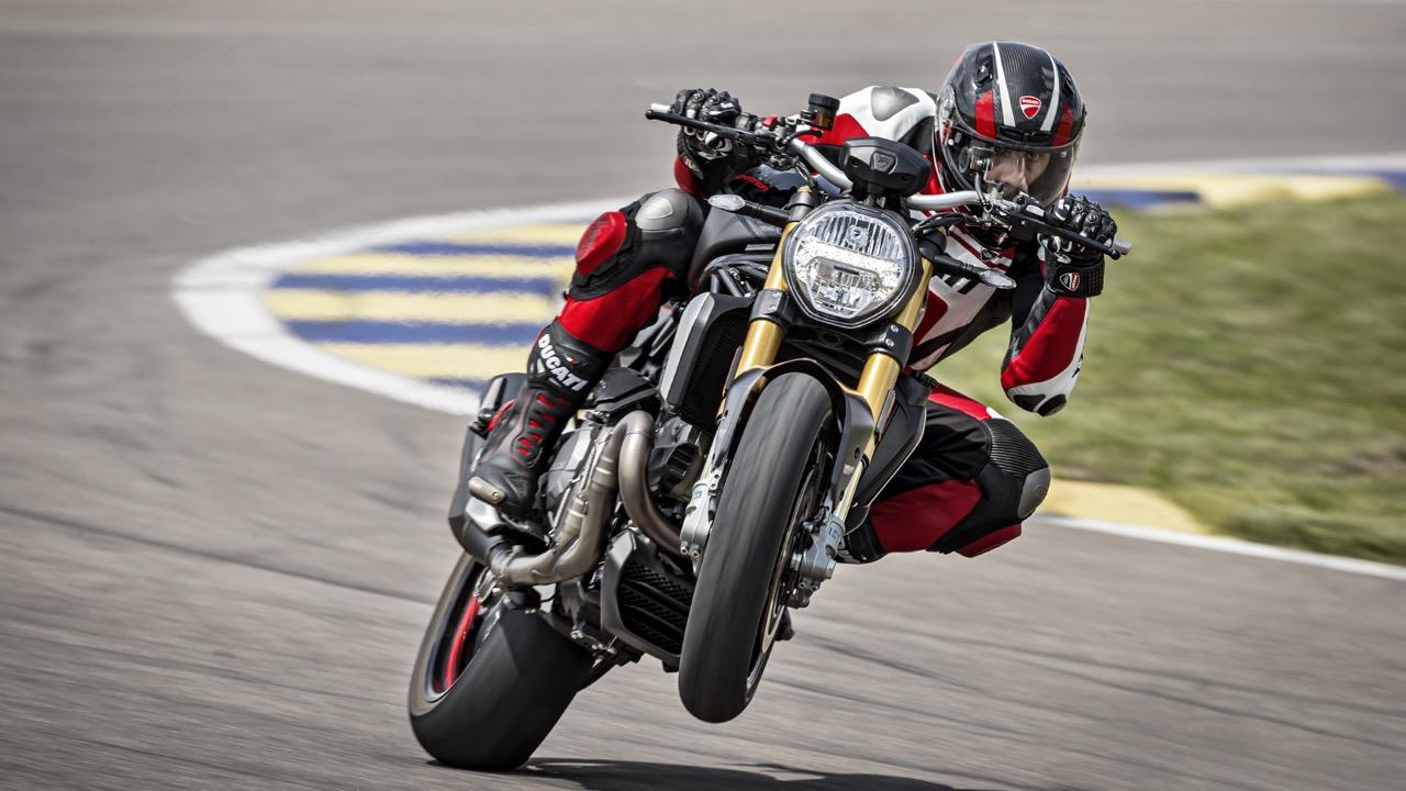Ducati Monster 1200 S Black on Black: naked da 147 CV con dotazioni da Superbike - Quotidiano