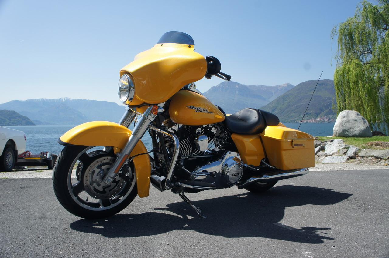 Harley Davidson FLHX Street Glide - test drive