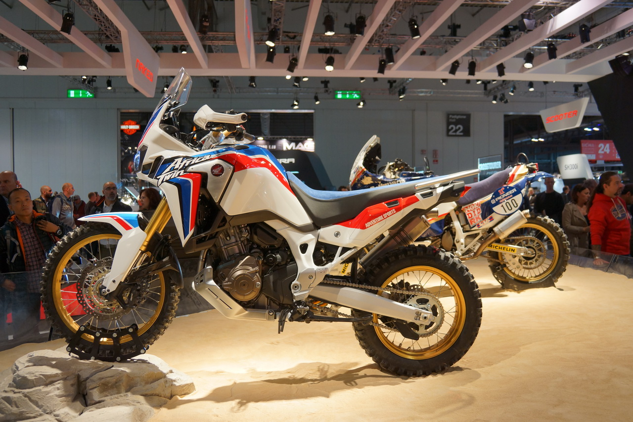 honda africa twin my 2016 5 18. Black Bedroom Furniture Sets. Home Design Ideas