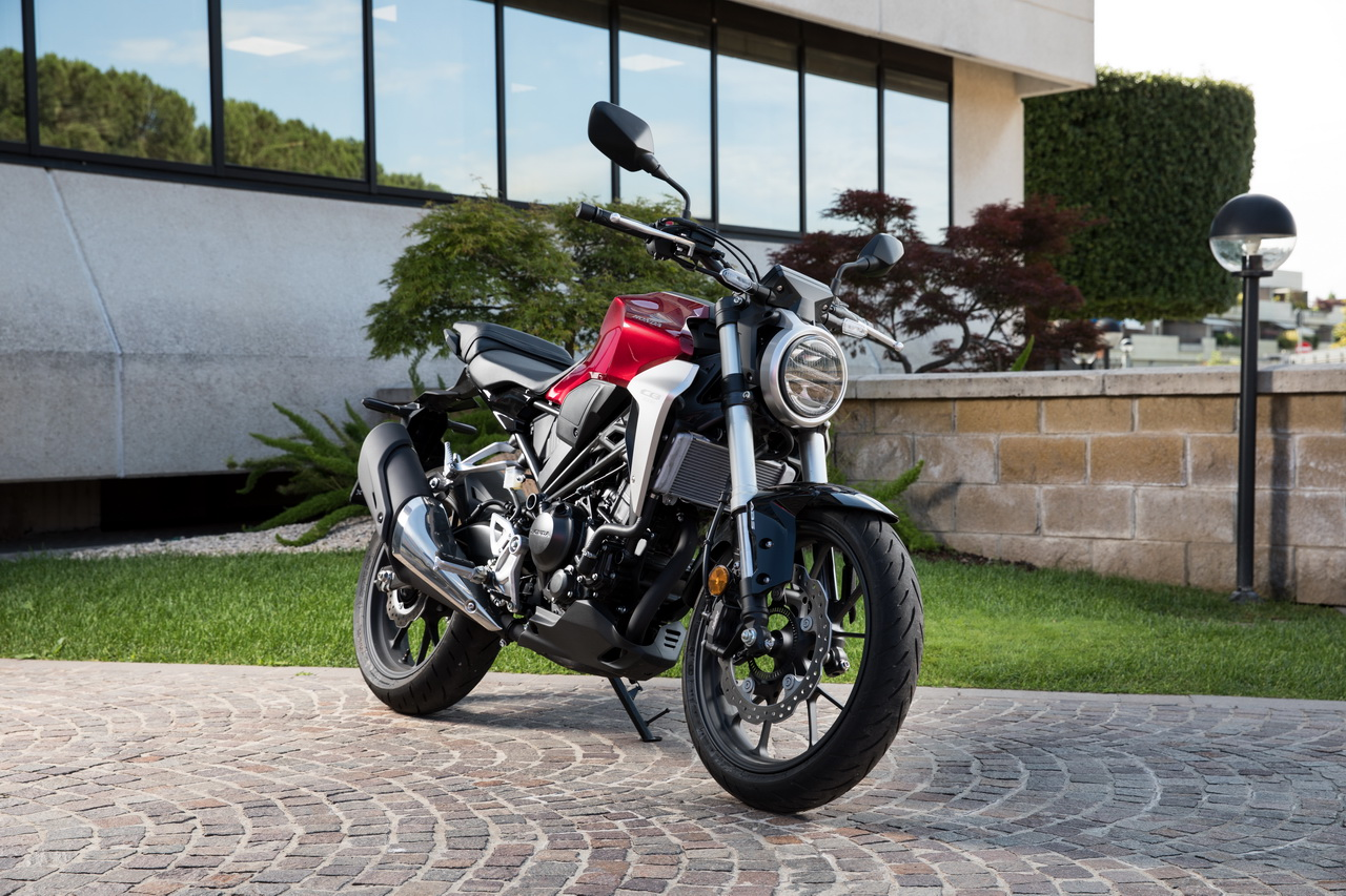 Honda CB300R prova su strada 2018