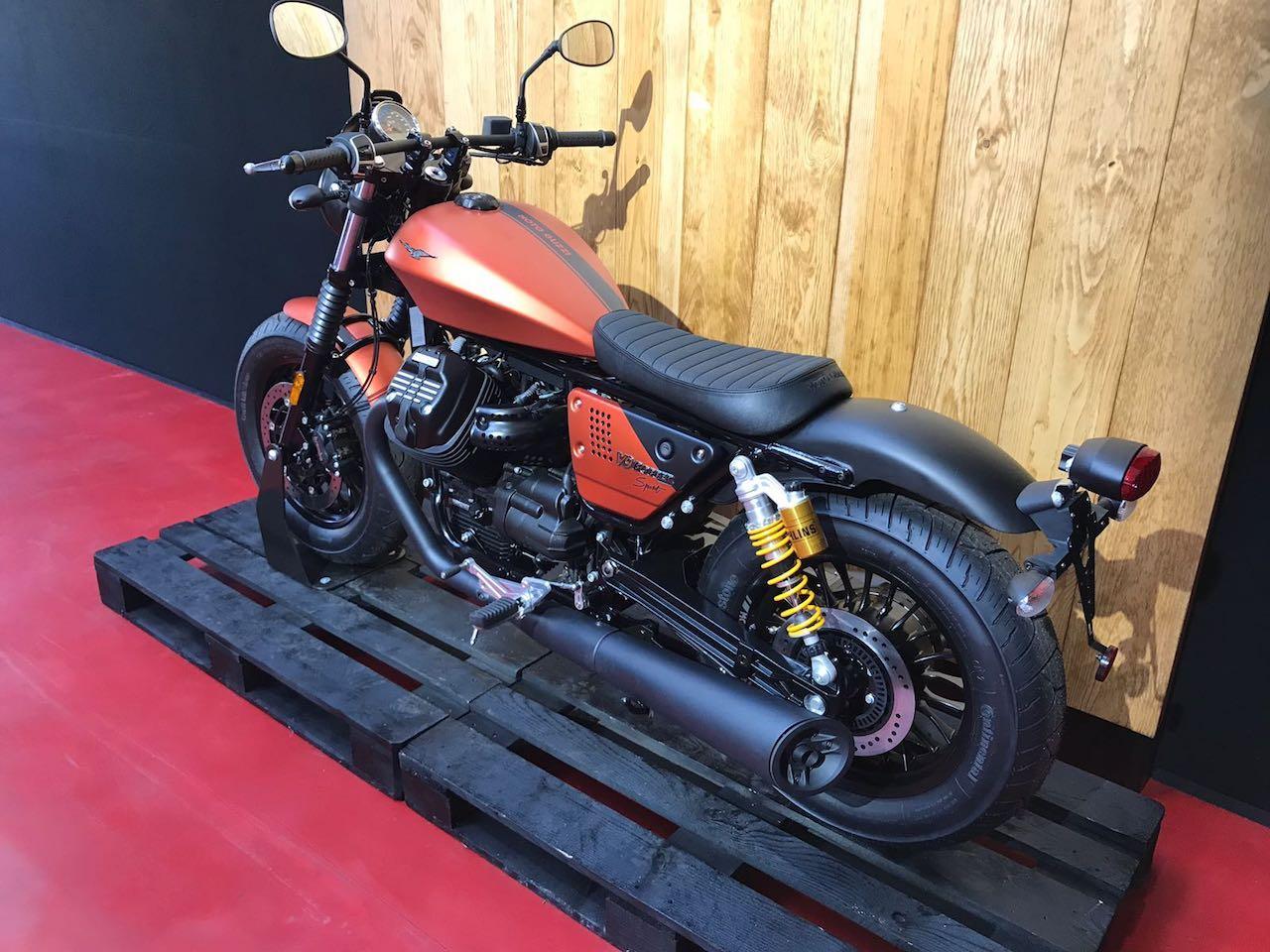 moto guzzi v9 bobber sport 10 13. Black Bedroom Furniture Sets. Home Design Ideas