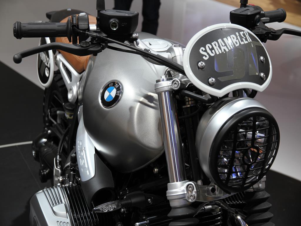 nuova bmw r nine t scrambler eicma 2015 2 4. Black Bedroom Furniture Sets. Home Design Ideas