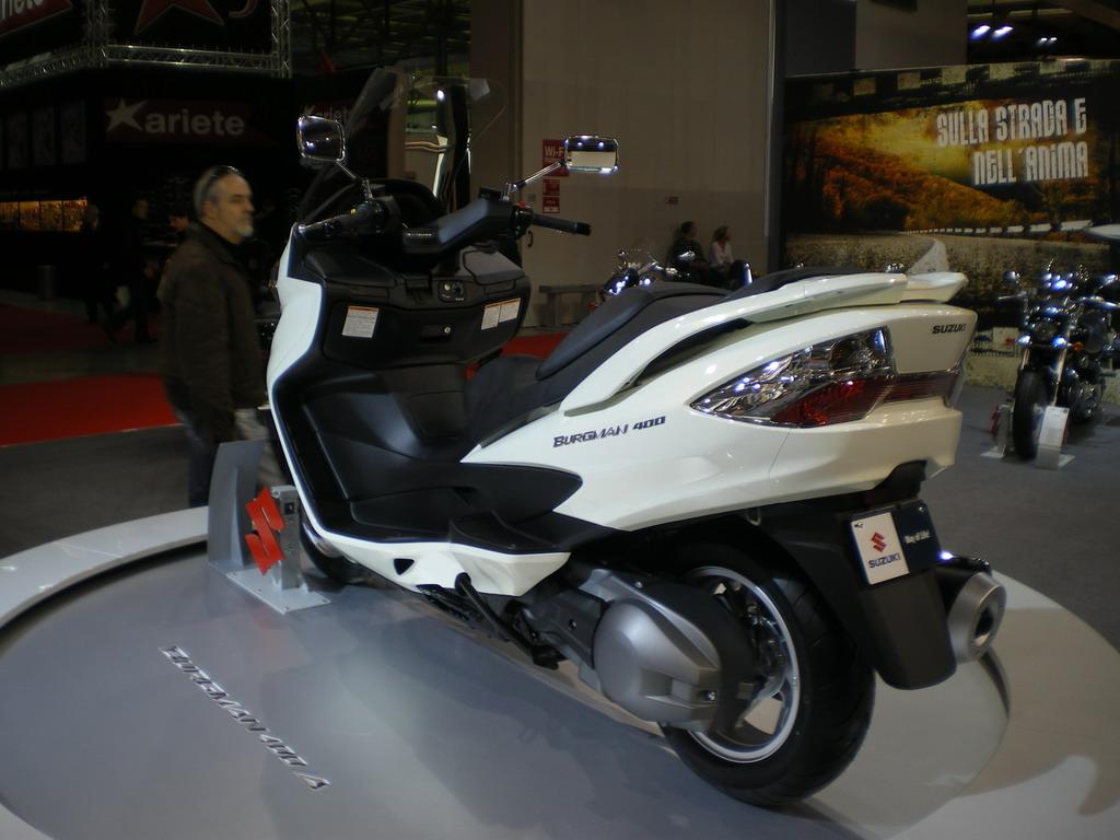 Suzuki Burgman 400 ABS - EICMA 2010