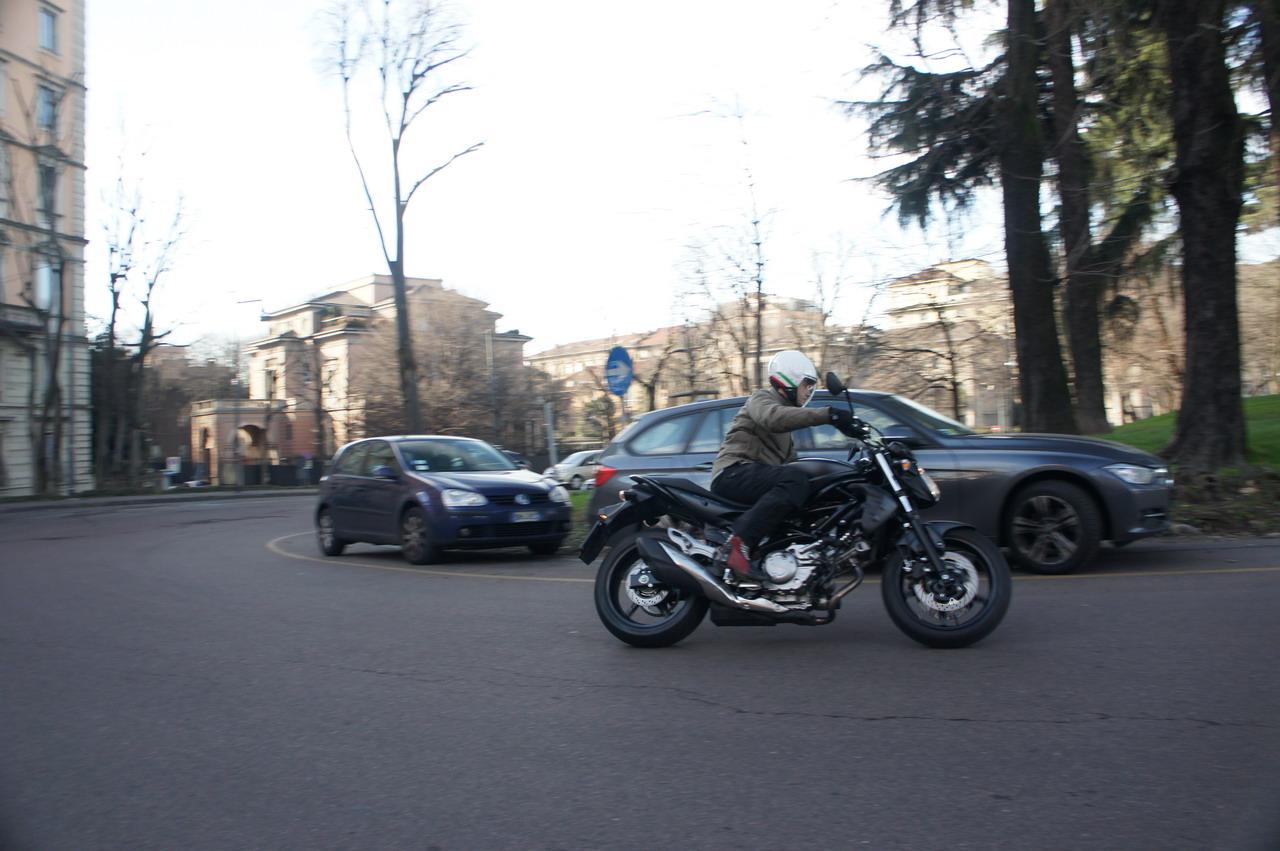 Suzuki Gladius 650 2014 Prova Su Strada Foto 24 Di 119