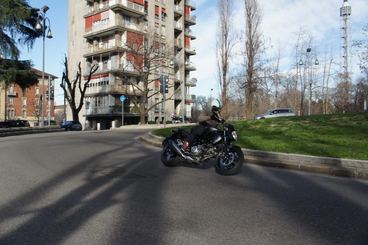 Altre Foto della Galleria: Suzuki Gladius 650 2014 -Prova su strada
