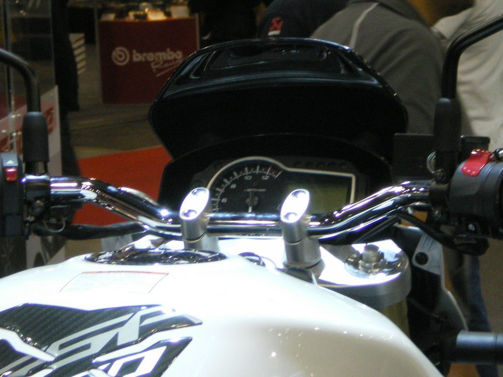 Suzuki GSR 750 - EICMA 2010