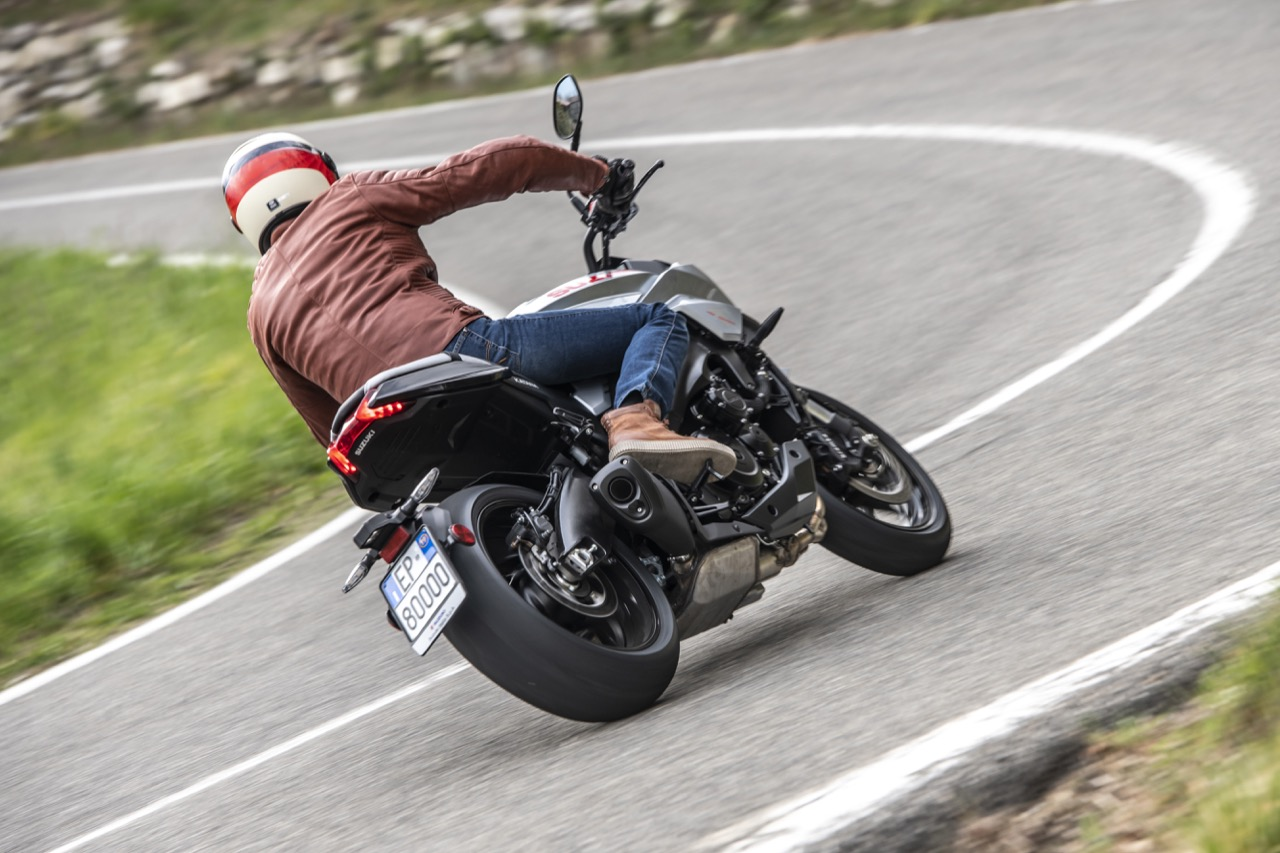 Suzuki Katana Hill Climb Tour - foto