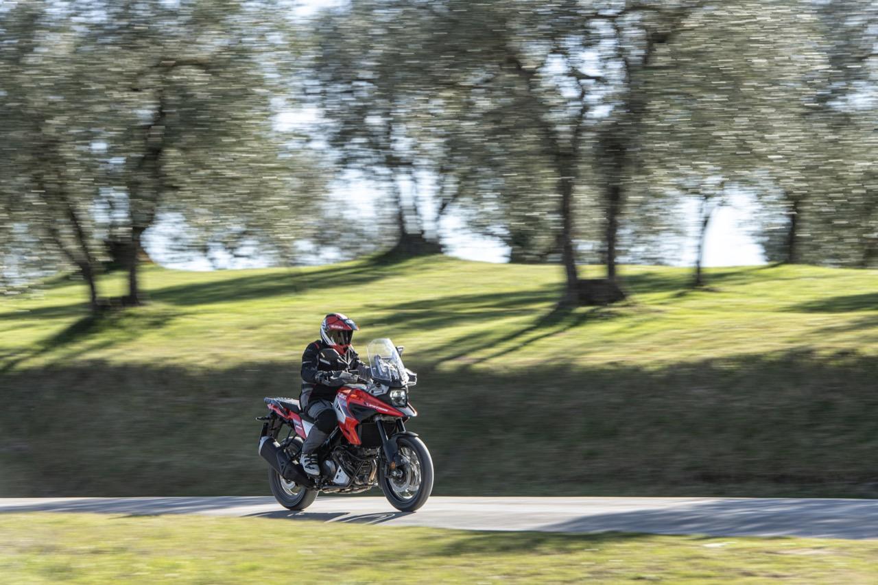 Suzuki V-Strom 1050 XT - nuove foto Tour 2020