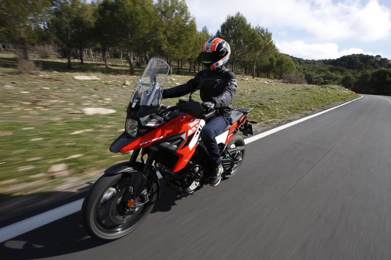 Suzuki V-Strom 1050 XT - Test Alex Rins