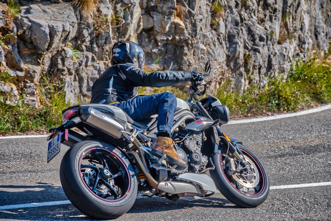 Triumph Speed Triple RS 1050 - prova su strada 2018