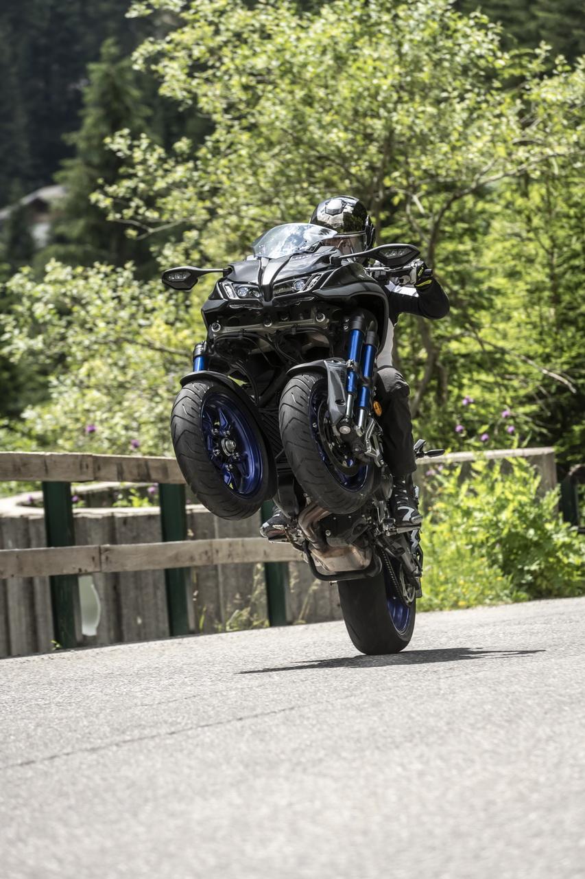 Yamaha Niken - prova su strada 2018