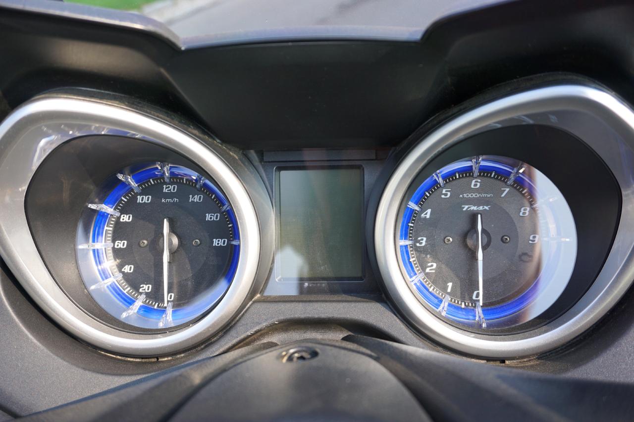 Yamaha Tmax SX prova su strada 2017