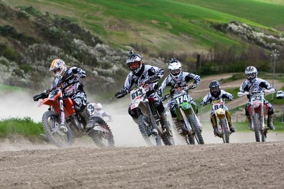 Red Bull Moto chiX, due giornate all'insegna del girl (motocross!) power