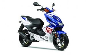 Aerox Fiat Yamaha Team Race Replica 2010, lo scooter che si crede una MotoGP