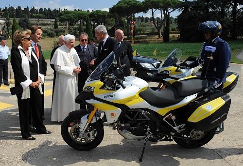 Ducati Multistrada 1200, due esemplari per Benedetto XVI