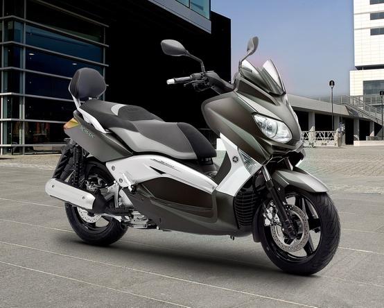 Yamaha X-Max: presentate le nuove 250 Sport, 250 ABS e 125