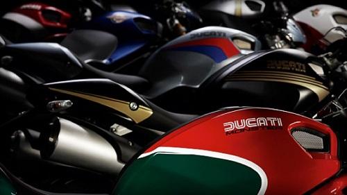 Ducati Streetfighter e Monster, le novità dell'Intermot