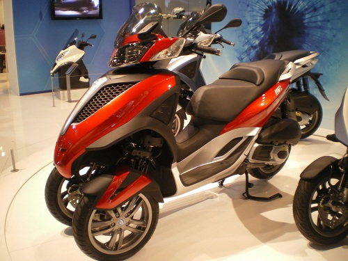 eicma 2010 piaggio mp3 yourban foto live. Black Bedroom Furniture Sets. Home Design Ideas