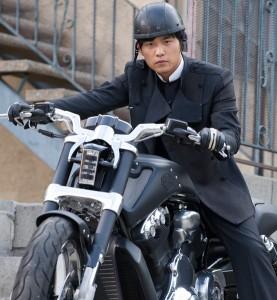 """Harley-Davidson V-Rod Muscle protagonista del film """"Green Hornet"""""""