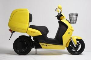 E-MAX 120S-Delivery, scooter elettrico in giallo