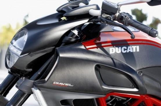 Ducati Diavel Tour 2011 al via