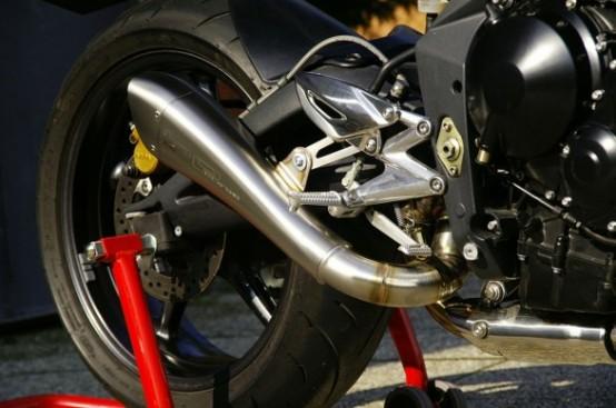 Triumph Street Triple, scarico Hydroform di HP Corse