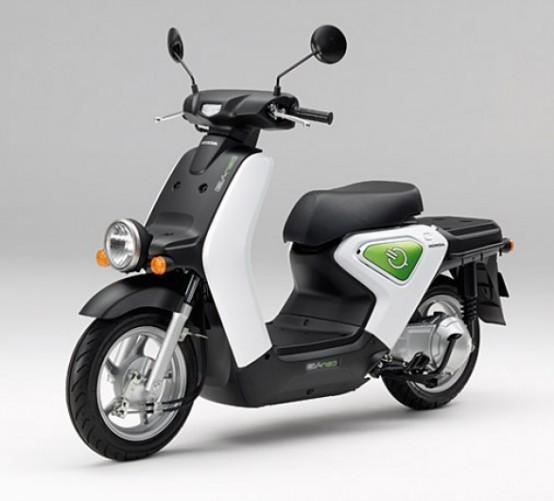 Honda EV-neo, lo scooter elettrico sarà testato in Spagna