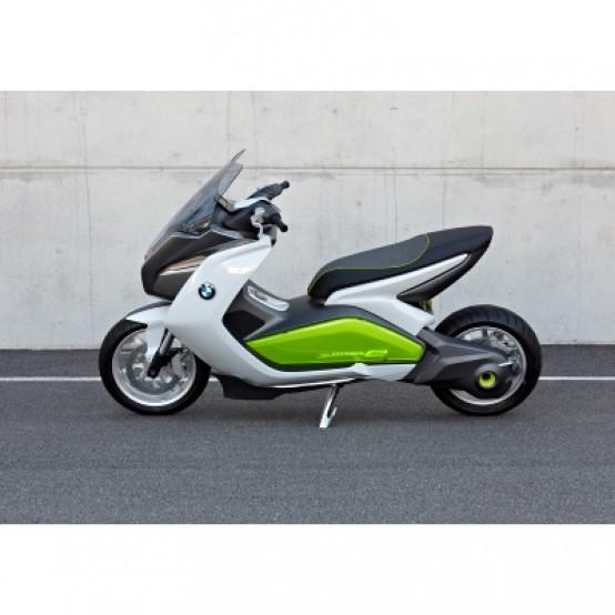BMW Motorrad Concept e. Concetto di design di uno scooter elettrico BMW