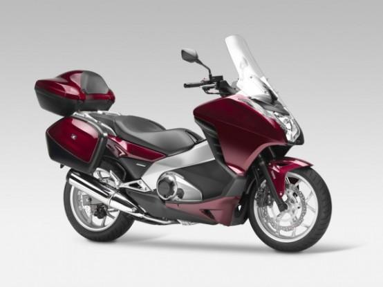 Honda Integra è lo scooter con nuovo motore da 700 cc