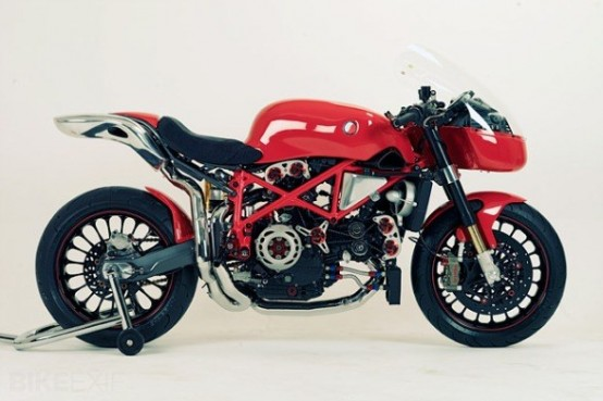 Ducati 999 di Cafe 9, custom affascinante