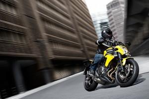 Kawasaki ER-6f 2012 porta il massimo divertimento e risparmio