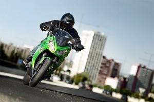 Kawasaki ER-6n 2012 amplifica i concetti: divertimento, stile, facilità