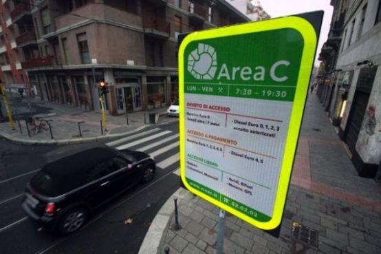 Area C di Milano, via libera alle moto