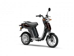 Yamaha EC-03, il veicolo di cortesia per i clienti tre diapason