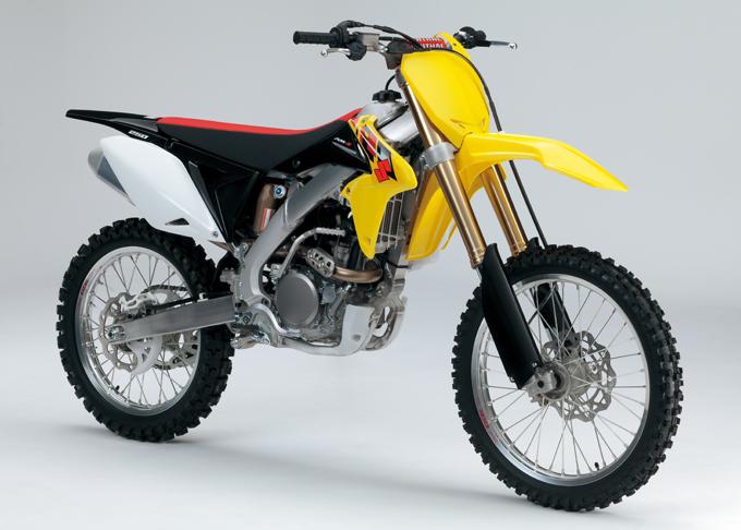 Suzuki presenta RM-Z450 e RM-Z250