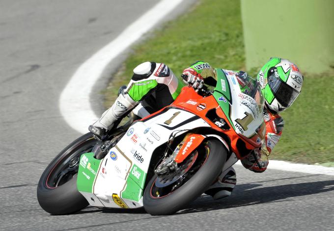 Stagione di successi per Pirelli nelle competizioni motociclistiche italiane