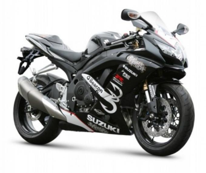 GSX-R600 e GSX-R750 non sono un sogno: scopri il Natale Suzuki