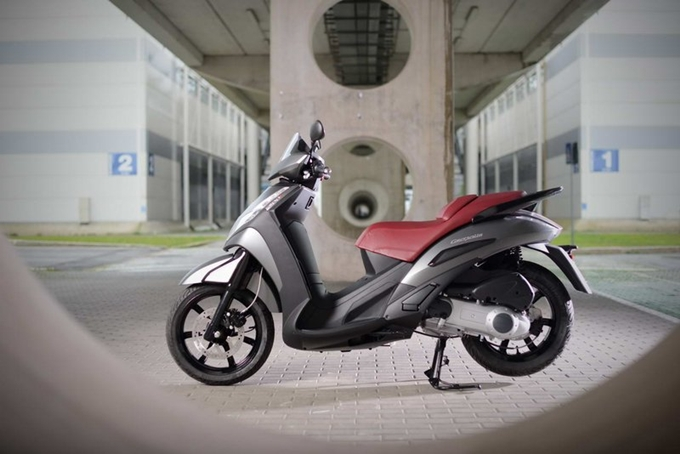 Peugeot Scooters Geopolis300 my 2013