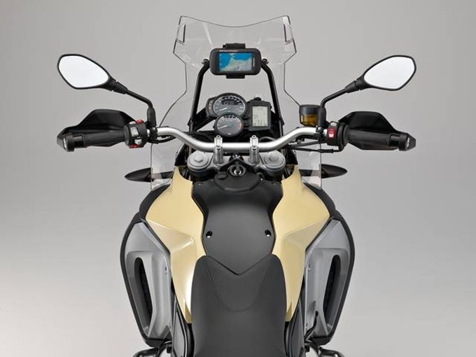 BMW Motorrad amplia l'offerta con il nuovo BMW Motorrad Navigator Adventure