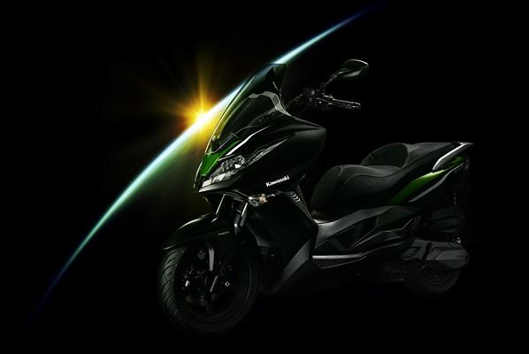 Kawasaki J300 pronto al lancio ed è già promozione