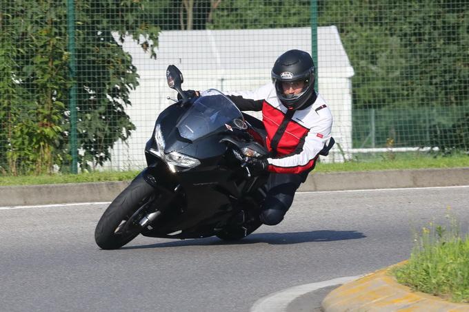 Honda VFR 800 F 2014 – prova su strada