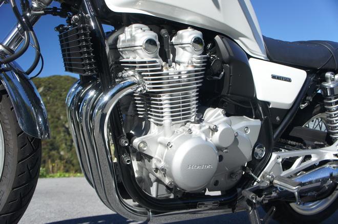 CB1100EX_motore