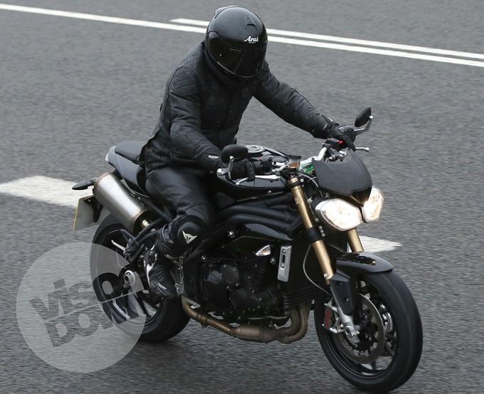 Nuova Triumph Speed Triple, sul web appare una nuova foto spia