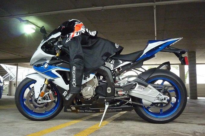 BMW Motorrad si allea con Alpinestars per garantire maggior sicurezza sulle strade