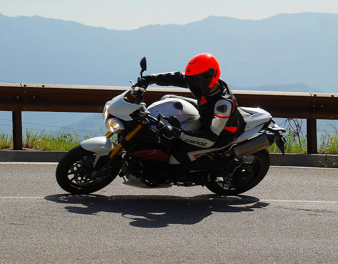 Triumph_Speed_prova2015_guida