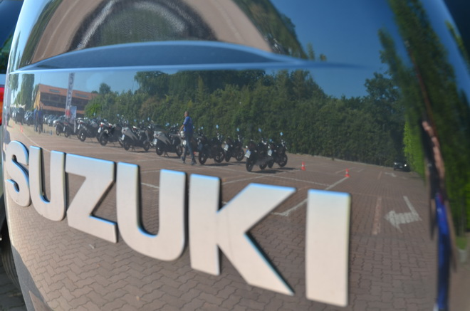 Suzuki_motorcycle_economy_run_2015_presupposti