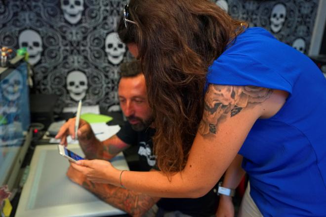 Aerografare_Casco_tatuaggio
