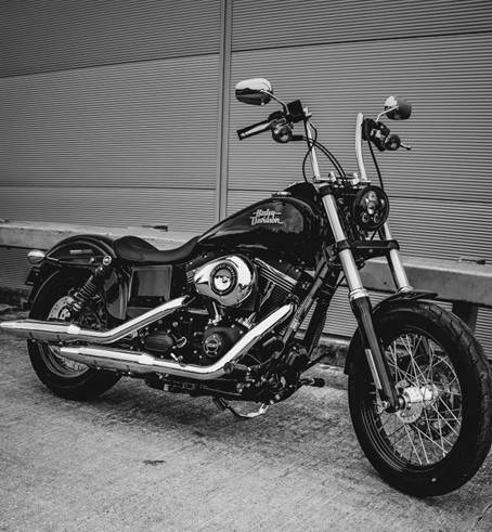 harley davidson dyna street bob limited edition un edizione speciale del bobber agile e cattivo. Black Bedroom Furniture Sets. Home Design Ideas