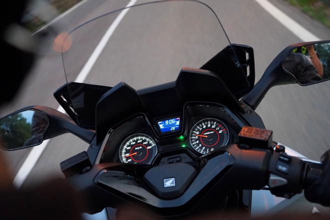 Honda_Forza125_prova_su_strada_2015_motore